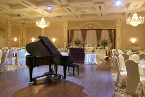 Piano at your wedding reception